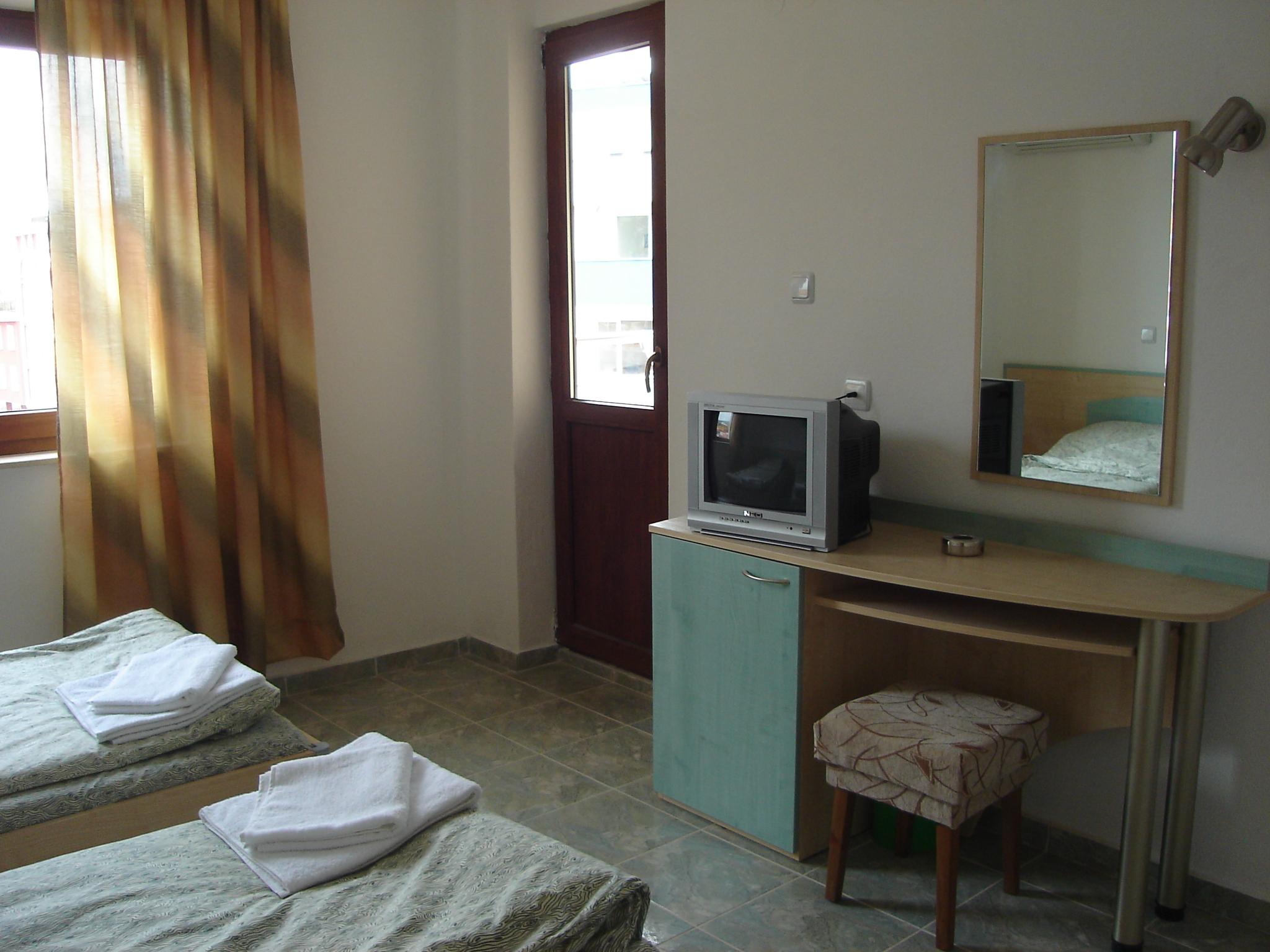 Хотел в Слънчев Бряг с двойна Стандартна стая до морето